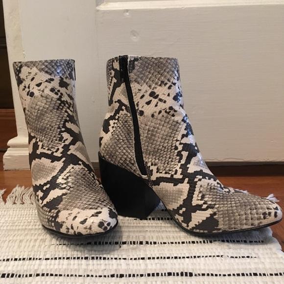 19f2d2b4a68a Madden Girl Shoes - Madden Girl Aaden Block Heeled Booties